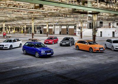 Van links naar rechts Audi RS 4 Avant (Type B7), Audi RS 2 Avant, Audi RS 4 Avant (Type B5), Audi RS 6 Avant (Type C5), Audi RS 4 Avant (Type B8), Audi RS 6 Avant (Type C6)